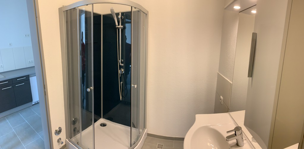 b6-office-buero-in-garbsen-hannover-wc-dusche-1-1024x502